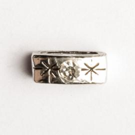 2 x leerschuiver zilver kleur 14 x 5 mm opening 9,6mm