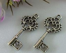 6 x Tibetaans zilveren sleutel 27x12mm