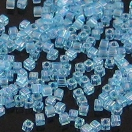 10 gram Kubus 1,8 mm Miyuki Blue Topaz Transparant Rainbow