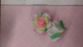 4x Fimo Roosje wit/roze/geel kraal Ca. 20x12mm Gat: 2mm