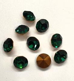 10 x Swarovski puntsteen SS24 Gold Foiled Emerald  5,2mm