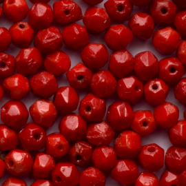 30  x ronde Tsjechië facet kristal kraal afm: 4mm Kleur: koraal rood gat c.a.: 1mm