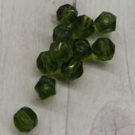 25 Stuks groene glaskralen met facet 4mm gat 2mm