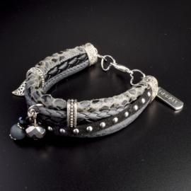 Prachtige armband, verstelbaar met metalen elementen w.o. bedel dream