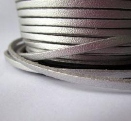 Faux suède veter, zilver met  1 meter x 3mm 1 zijde glad