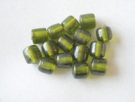 15 stuks groene kraal in de vorm van een tonnetje Afm: 11 x 10 x 11 mm Gat: 2mm
