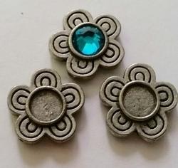 Per stuk Antiek metalen Kastje bloem mat AS, ruimte voor 6 mm plaksteen