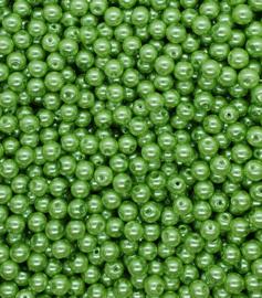 30 stuks glasparels 8mm gat c.a. 1mm kleur licht groen
