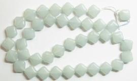10 stuks prachtige vierkante kralen van melkglas 10 x 10 x 5mm Licht grijs blauw