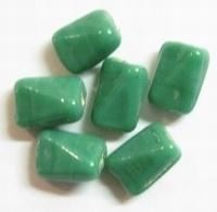 10 x Glaskraal grillig ovaal smaragd groen 11 mm