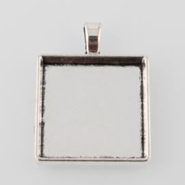 Houder D: Prachtige Camée of Cabochon houder. Binnenzijde c.a. 25 x 25mm
