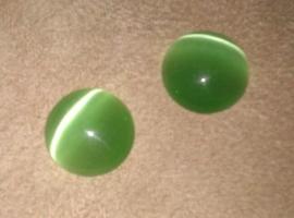Per stuk Plaksteen glas cate-eye rond groen 12 mm