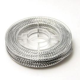1 rolletje gevlochten koord  zilver  0,6mm, c.a. 10m per rol