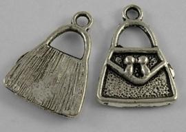 5 x tibetaans zilveren bedeltje van een tasje 15,3 x 21,5 x 2,5mm gat 2,5mm