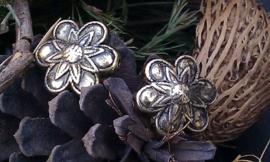 3 x antiek gouden metallook kraal bloem 26 mm