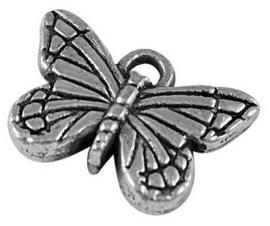 10x Prachtige Tibetaans zilveren bedel van een vlinder 11 x 15,5 x 4mm gat 1,5mm