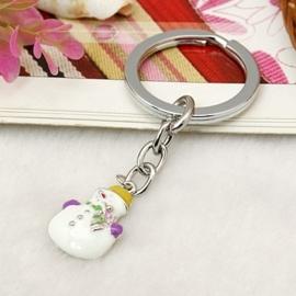 Leuke winter sleutelhanger met een sneeuwpop met emaille 48mm
