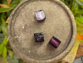 5x Mooie kubus glaskraal 12mm paars