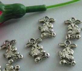 10 keer tibetaans zilveren konijntje met wortel 15 x 10 mm