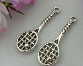 10x Tibetaans zilveren bedeltje van een tennisracket 29,5 x 10 x 2mm gat: 2mm