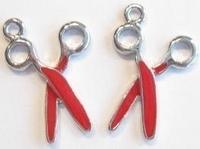 2x  Antiek zilveren metalen hanger schaar met rode epoxy 30 mm