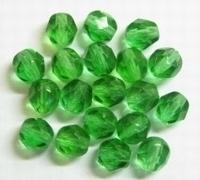 10 Stuks Glaskraal facet groen 6 mm