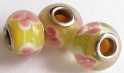 Per stuk Glaskraal met metaal European-style geel met roze bloem 14 mm