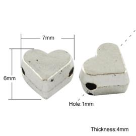 10 stuks tibetaans zilveren tussenzetsels/kralen hart 6 x 7 x4mm gat: 1mm