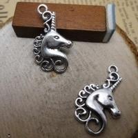 4 x Tibetaans zilveren bedel van een eenhoorn 15 x 24mm, Gat ca.2mm