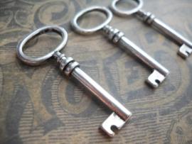 2 x Tibetaans zilveren sleutel 41 x 17 x 4,5mm