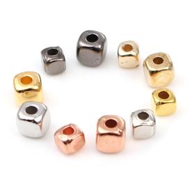 25 stuks vierkante acryl kralen 3 x 3mm Gat c.a. 1,4mm