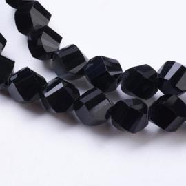Streng met c.a. 72 stuks getwiste facet glas kralen zwart 8x7~8x8mm gat 1mm
