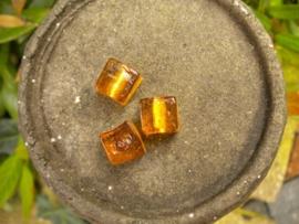 10 x Mooie kubus glaskraal 12mm licht bruin