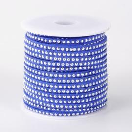1 meter imitatie Suède leer 3mm met zilver aluminium studs medium blue