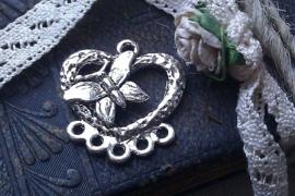 Per stuk metalen zilveren hanger/tussenzetsel hart met vlinder 22 mm