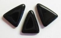 Per stuk Glaskraal zwart driehoek met gaatje dwars door smalle 19 mm
