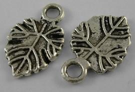10 x tibetaans zilveren bedeltjes van bladeren 18 x 11,5 x 1,5 gat: 3mm