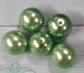 20 x mooie groene glasparel 12mm gat:1mm
