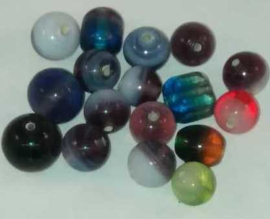 50 Gram prachtige glaskralen mix met diverse tinten glaskralen