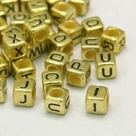 Letterkraal per stuk Acryl vierkant goud 6mm, gat 3,5mm