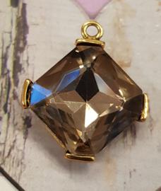 Prachtige kristal facet Hanger met geel koper metaal 35 x 30mm oogje: 3mm