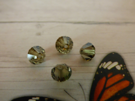 10 x Preciosa Kristal Bicone ca. 6mm  gat: 1mm