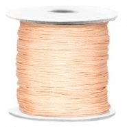 1 meter Macramé draad Light peach 0,7mm