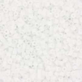 c.a. 5 gram Miyuki delica's 11/0 - matte ab white