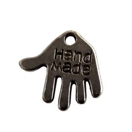 """10 stuks tibetaans zilveren hand met """"Hand made"""" erop, antraciet c.a. 12 x 10 x 1mm gat: 1mm"""