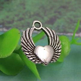 4 x Tibetaans zilveren hanger met hart en vleugels 22 x 19x3mm gat: 3mm