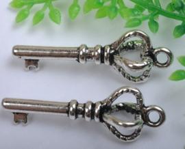 4 x Tibetaans zilveren sleutel 26 x9 x 2mm gat: 1,5mm