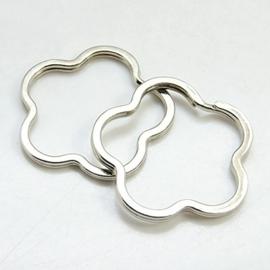 2 stuks prachtige sleutelhanger ring 43 x 43 x 3mm