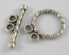 4 x Tibetaans zilveren slotje met twee oogjes slotje 12 x 15mm Staafje 18mm gat: 1,5mm