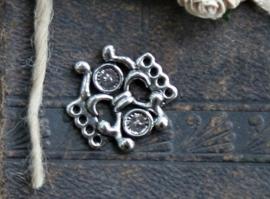 Schitterend oud zilveren ornament 23 x 23mm